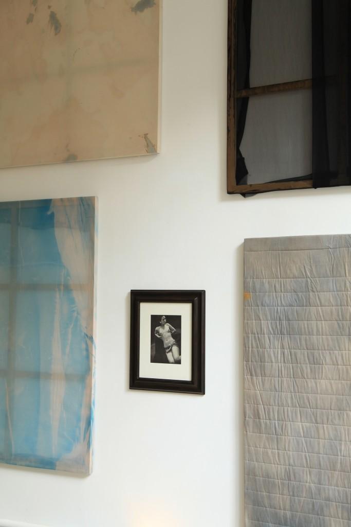 Vue de l'exposition Propos d'Europe 13, Le musée d'une nuit (script for leaving traces) Fondation Hippocrène, du 3 octobre au 20 décembre 2014. Photo : Aurélie Cenno.
