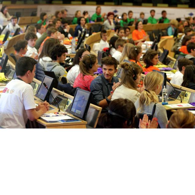 Enquêter, débattre, s'engager…pour une Europe durable et solidaire