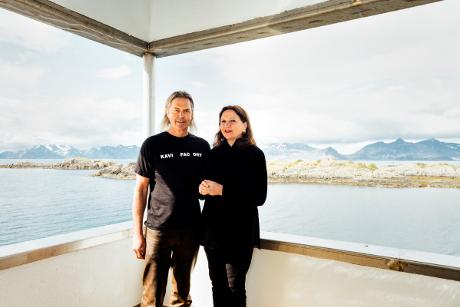 Les collectionneurs, Rolf et Venke Hoff devant leur centre d'art norvégien, la KaviarFactory